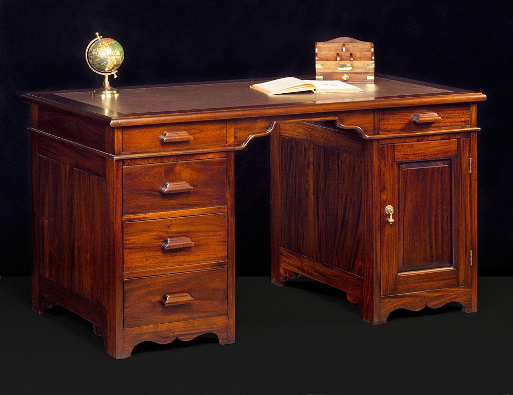 klassiek bureau higgins mr higgins. Black Bedroom Furniture Sets. Home Design Ideas